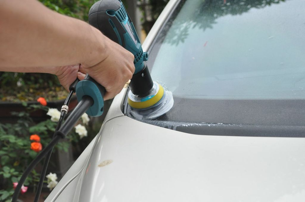 Image result for sử dụng nano bảo vệ kính khi lái xe oto