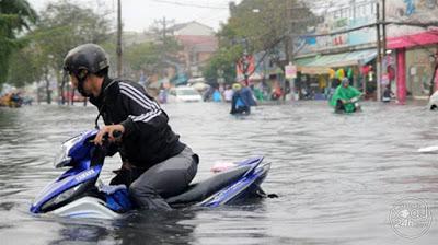 Những trận mưa lớn đã khiến nhiều xe